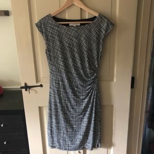 Black/white dress with ruched side